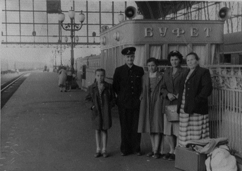 109. Киевский вокзал. Буфет. 1957 год.