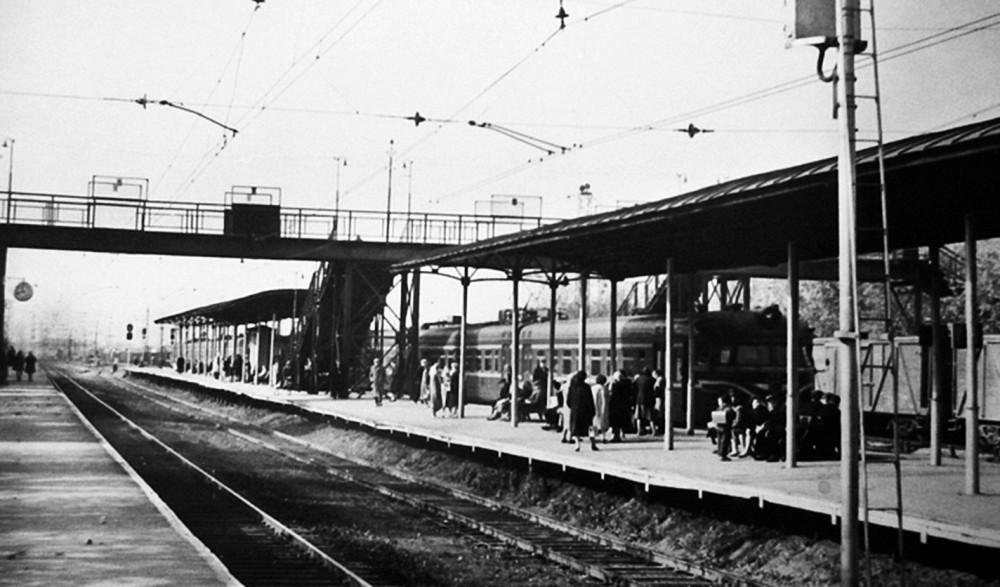 2. Ж.д.станция Реутово, платформа от Москвы, 1962 год.