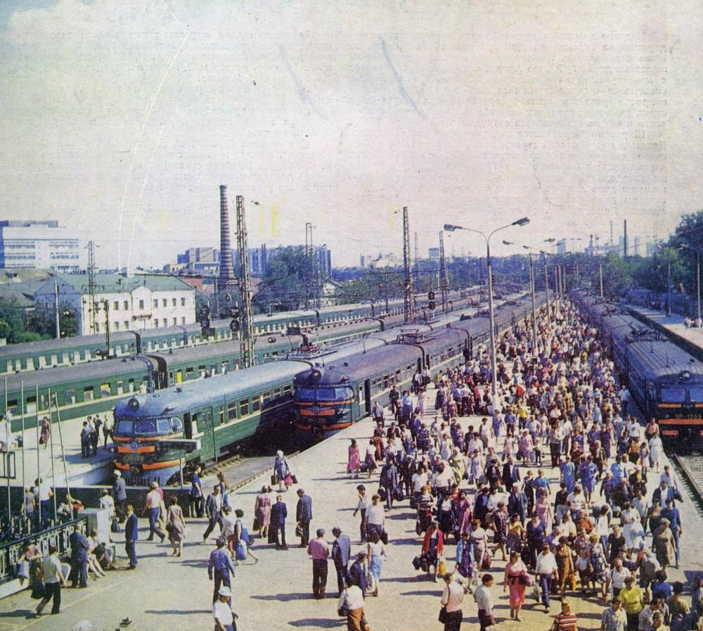 15. Курский вокзал, тупики Горьковского напр., начало 80-х годов.