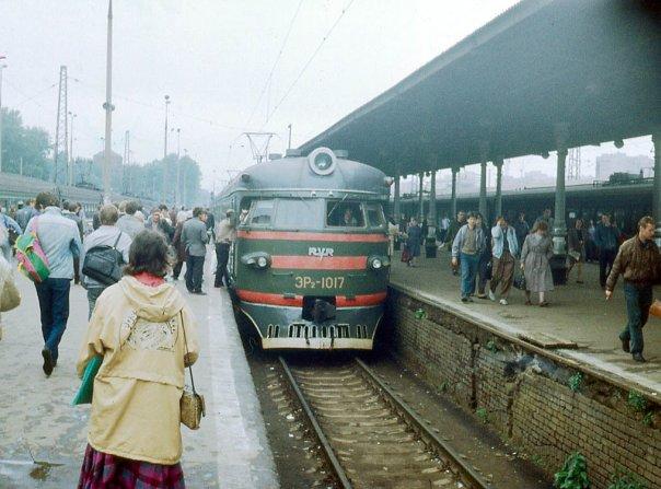 122. ЭР2-1017, ст.Москва-Пасс-Ярославская, 80-е годы.