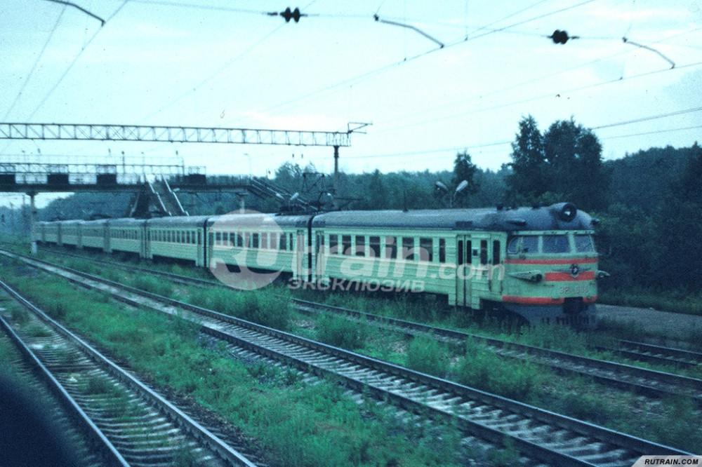 58. ЭР2-686, cт.Бекасово-I, июль 1988 год.