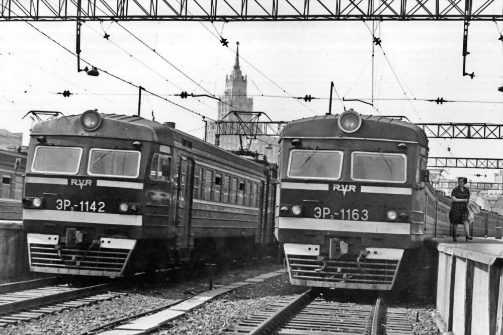 78. ЭР2-1142, ЭР2-1163, ст.Москва-Пасс-Казанская, 1980 год.