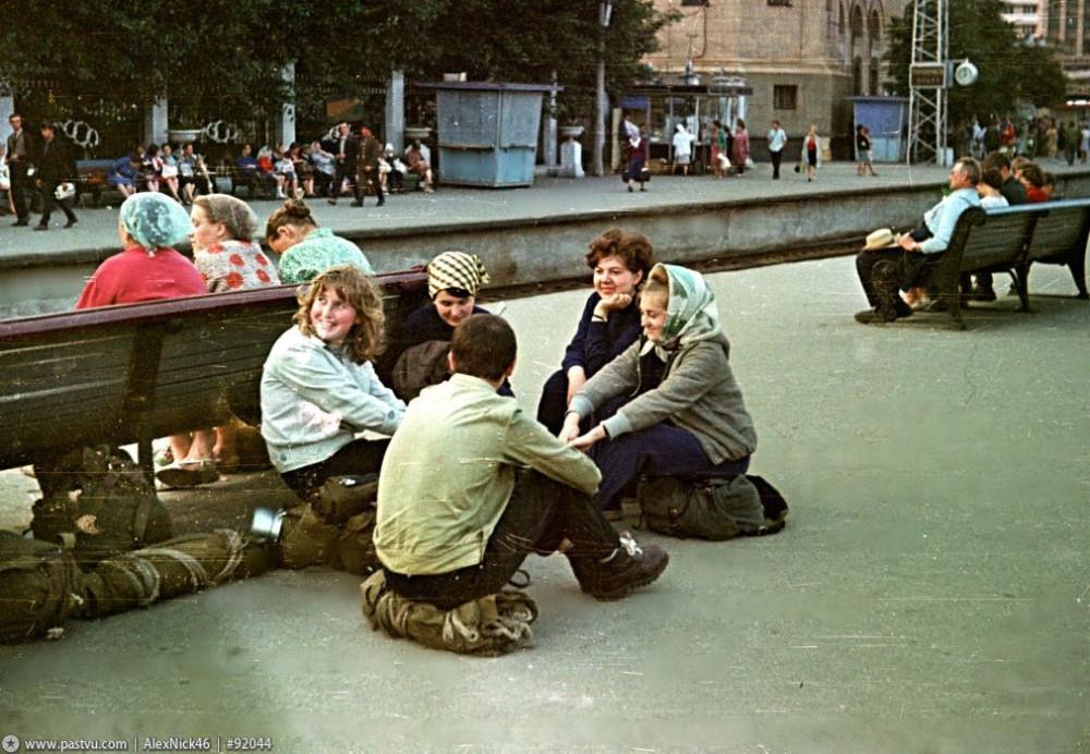 98. Пригородные платформы Белорусского вокзала, 70-е годы.