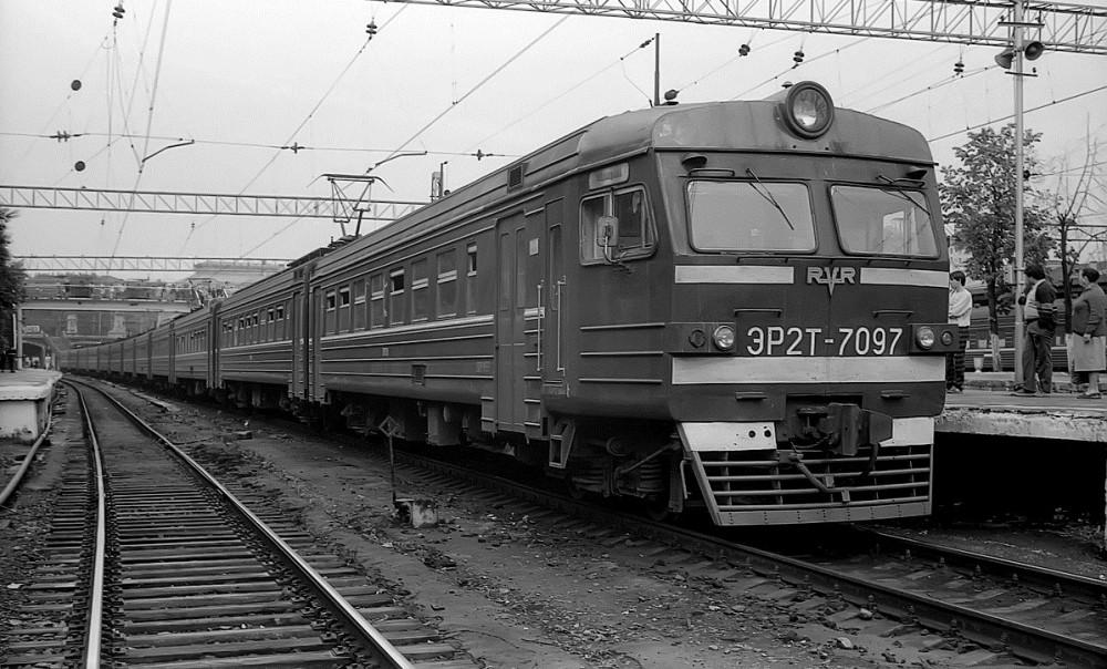 40. ЭР2Т-7097, ст.Москва-Смоленская, май 1989 год.