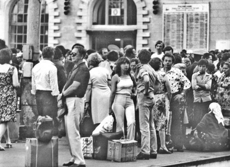 22. Казанский вокзал. В ожидании поезда, 80-е годы.