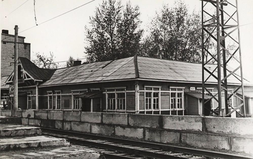 157. Вокзал станции Куровская (постр.1912 год) 1972 год.