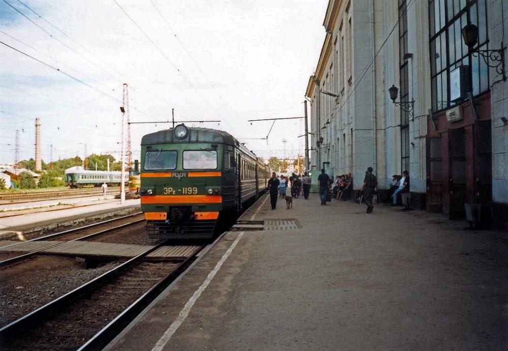 27. ЭР2-1199, cтанция Рязань-I, 1998 год.