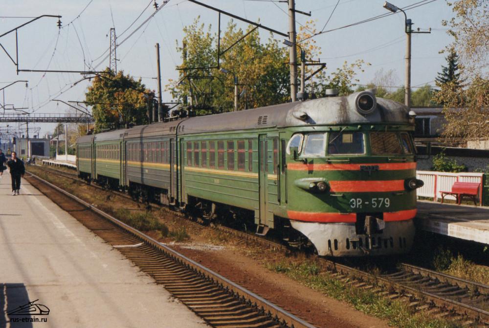 133. ЭР2-579, ст.Куровская, начало 90-х годов.
