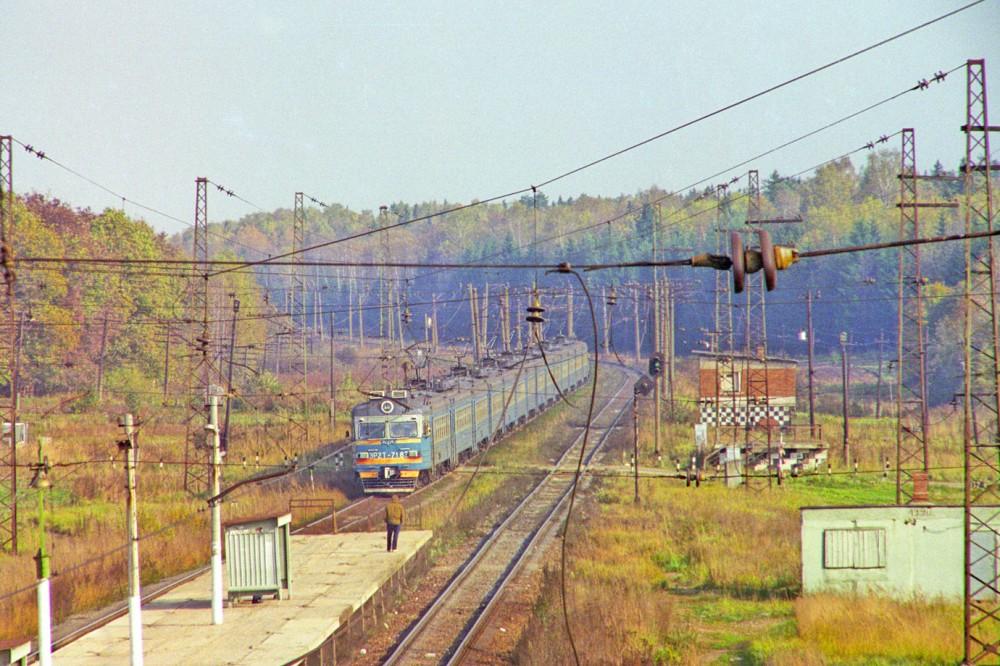 125. Платф.Рассудово, ЭР2Т-7182, октябрь 1994 год.