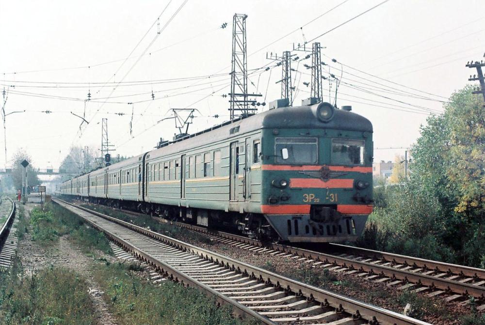 58. ЭР22-31, платф.Силикатная, начало 90-х годов.