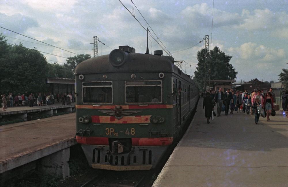 4. ЭР22-48, платф.Каланчевская, город Москва, июнь 1993 год.