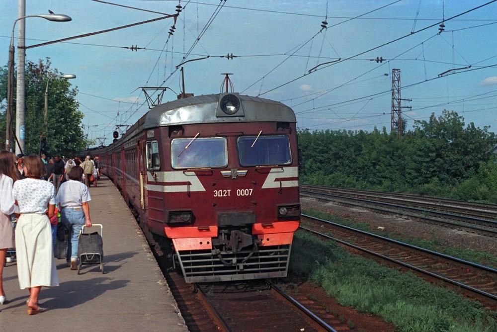 18. ЭД2Т-0007, ж.д.станция Царицыно, 1996 год.