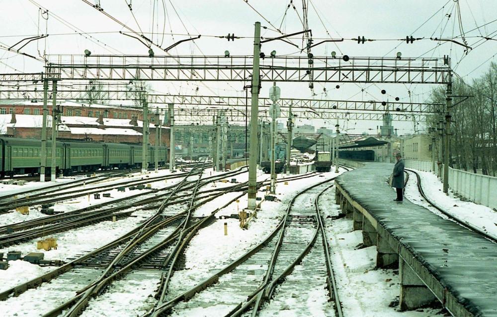 122. Станция Москва-Пасс-Октябрьская, апрель 1997 год.
