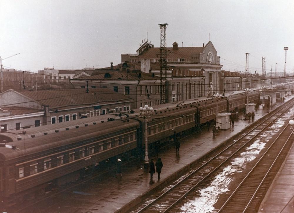 51. Ж.д.вокзал станции Омск, начало 60-х годов.