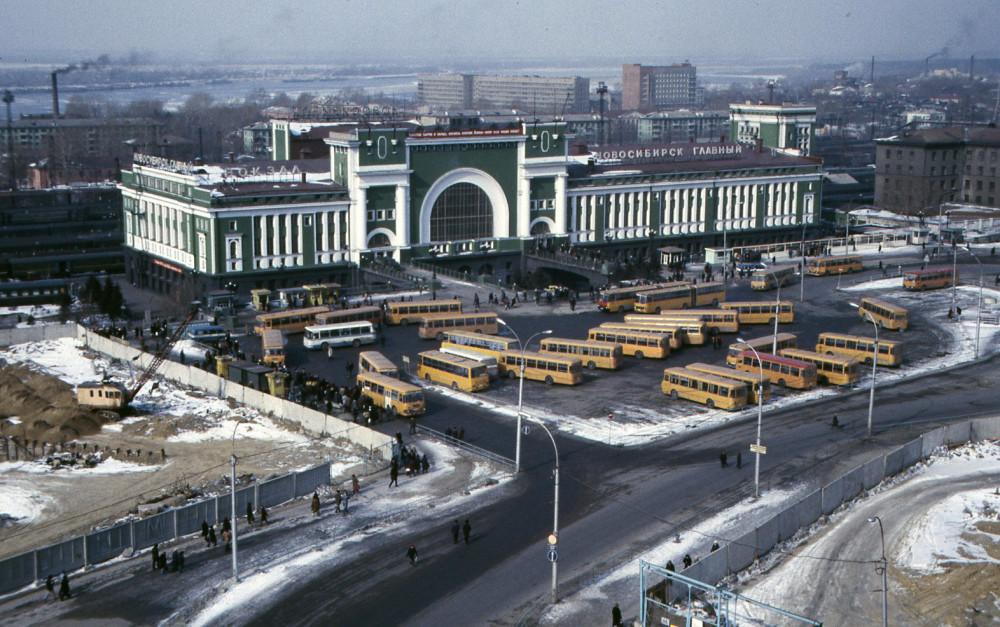 13. Ж.д.вокзал Новосибирск-Главный, 80-е годы.
