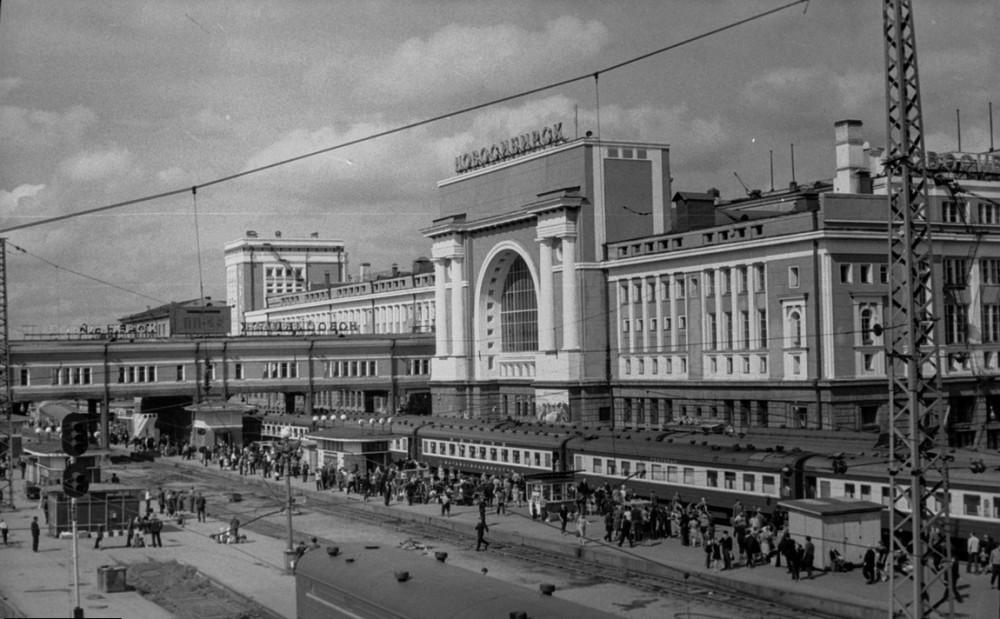 32. Ж.д.станция Новосибирск-Главный, 1969 год.