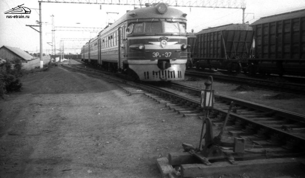 74. ЭР9-37, ст.Фаленки Горьк.ж.д., 1981 год.