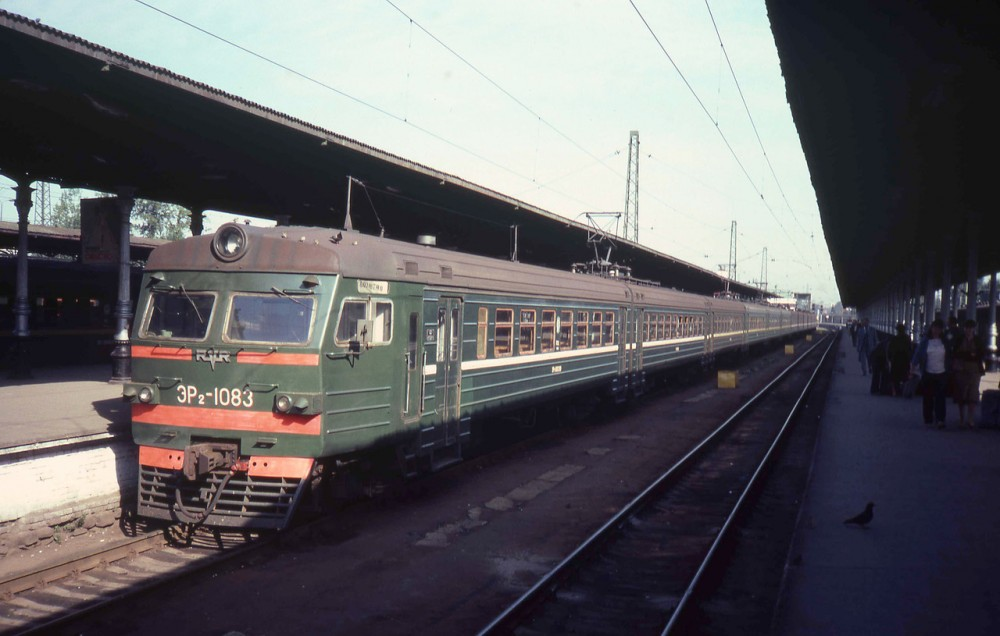 1982 год. Москва. Ярославский вокзал. ЭР2-1083.