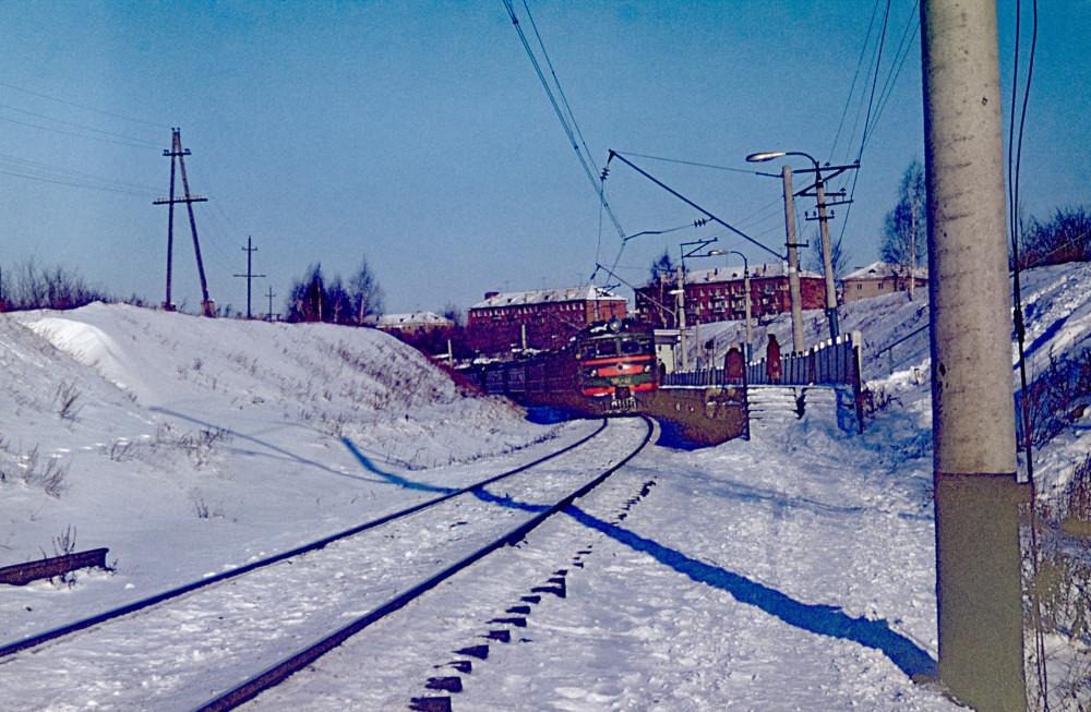 108. Казань. ЭР1-41 на платформе Новаторов. 1977 год.