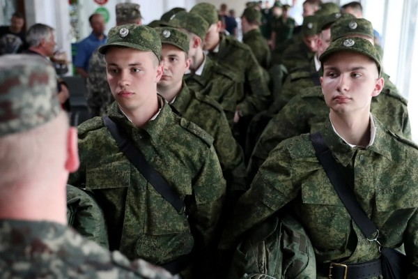 На тему дедовщины в российской армии наложено табу