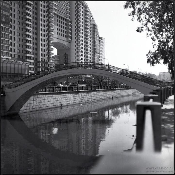 набережная, дом, мост, река, ч/б, пленка, средний формат, 6х6