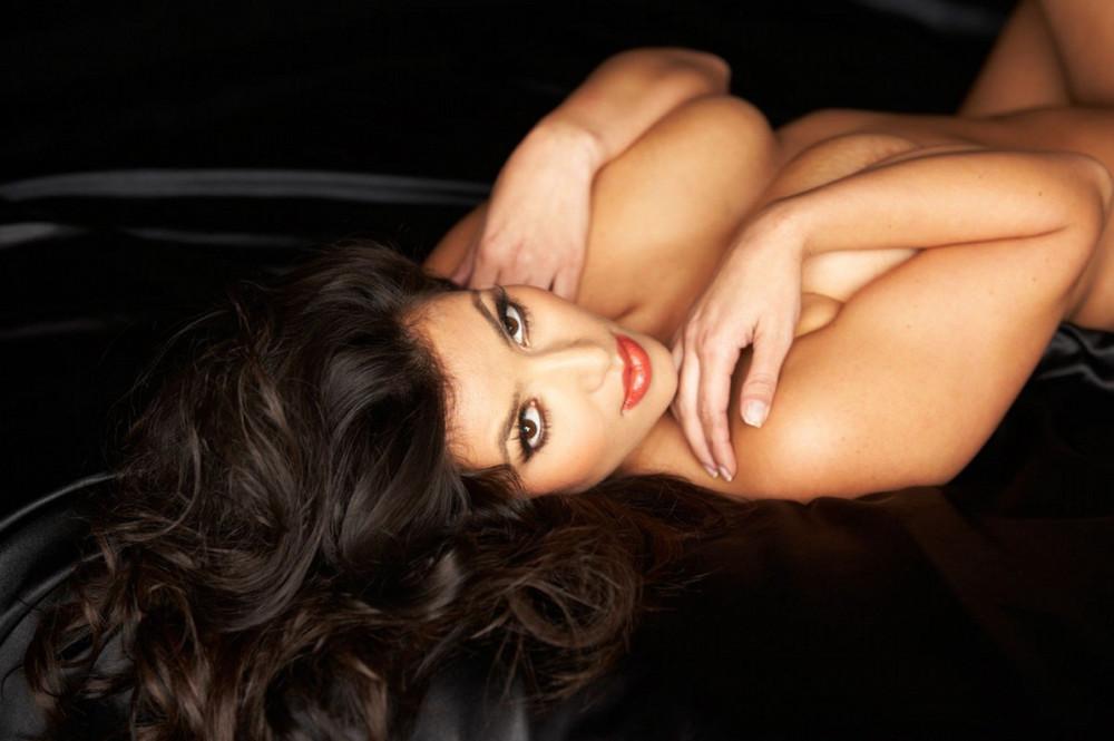 1417877170_www.chiksochki.ru-svezhie-foto-obnazhennoy-seks-modeli-kim-kardashian_48