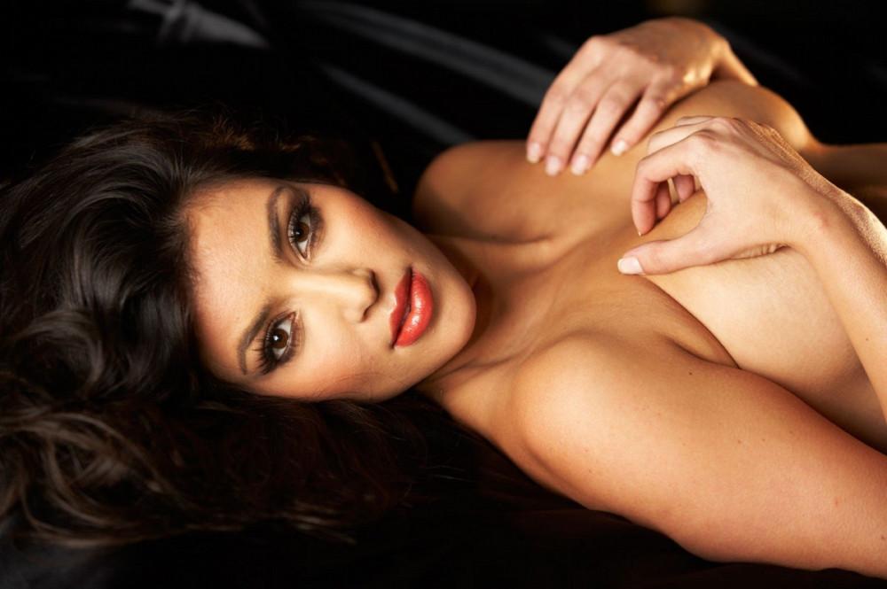 1417877179_www.chiksochki.ru-svezhie-foto-obnazhennoy-seks-modeli-kim-kardashian_47