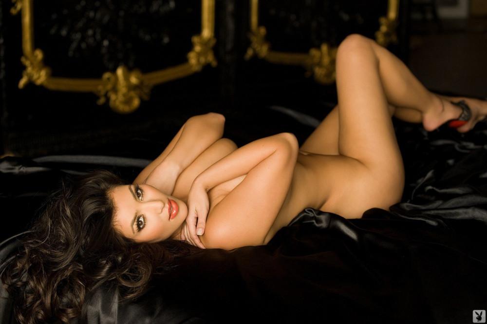 1417877113_www.chiksochki.ru-svezhie-foto-obnazhennoy-seks-modeli-kim-kardashian_17