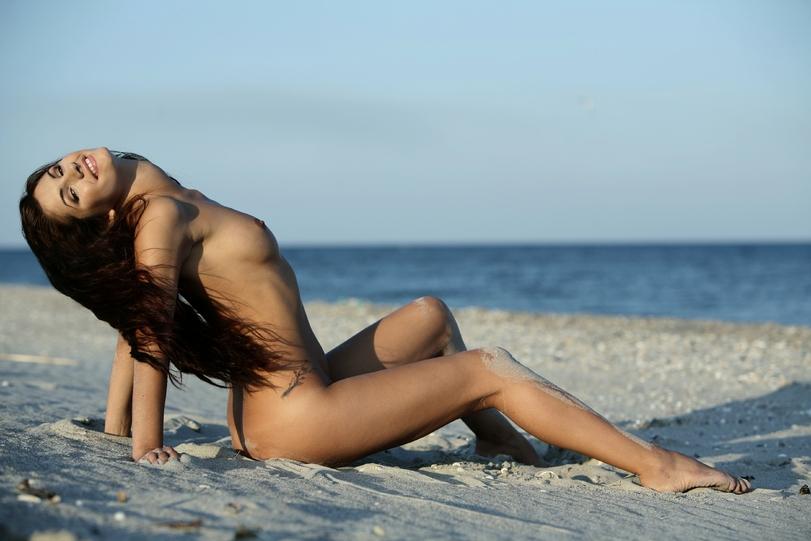 эротика-пляж-девушка-799243