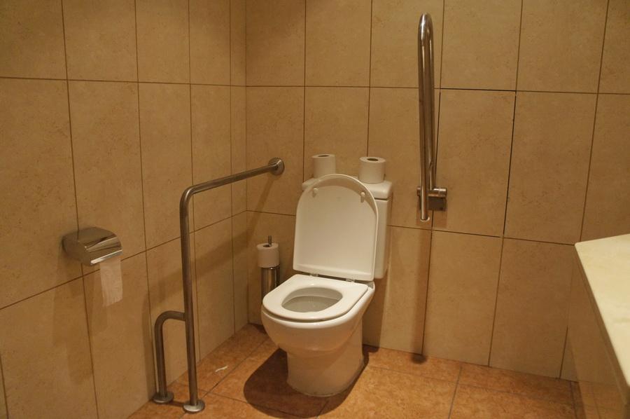 04.Reception_bathroom