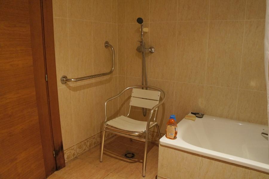 15.Bathroom_4