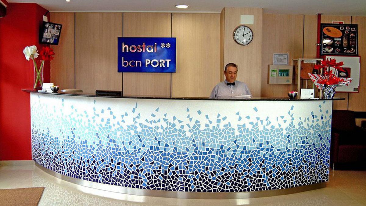 003_HostalBCNPort_reception