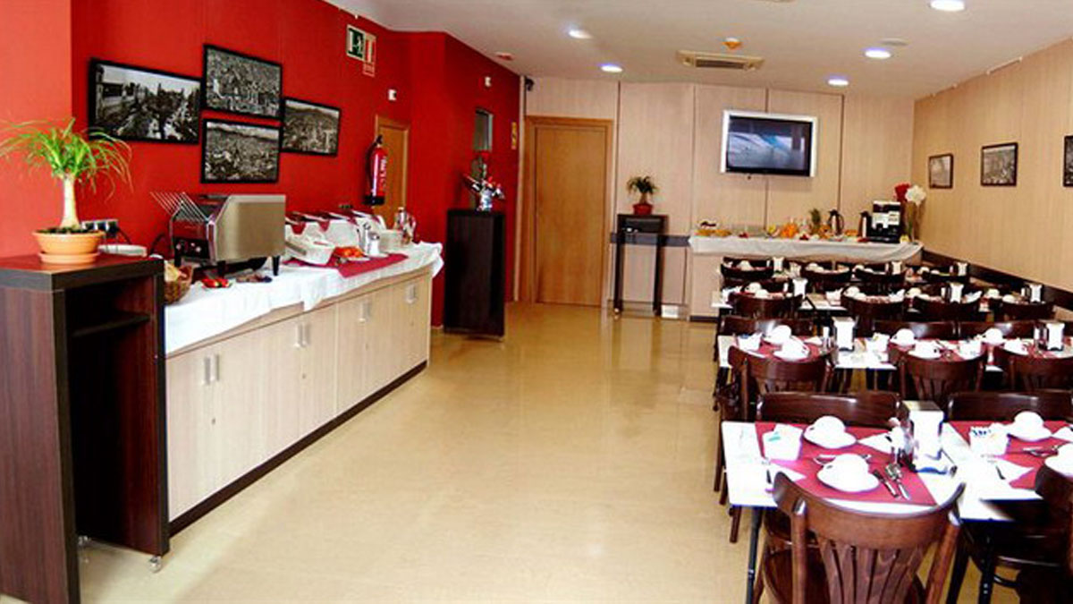 004_HostalBCNPort_kitchen