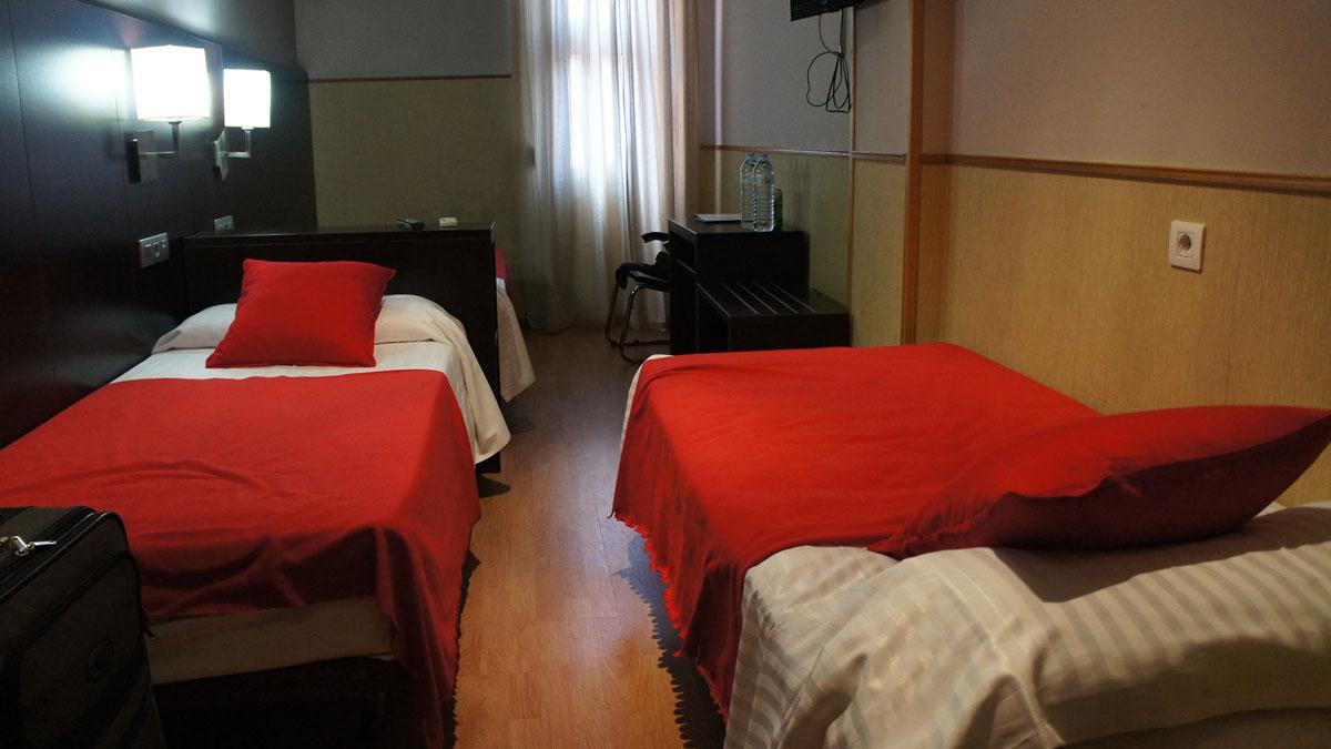 005_HostalBCNPort_room_R1_1st_floor