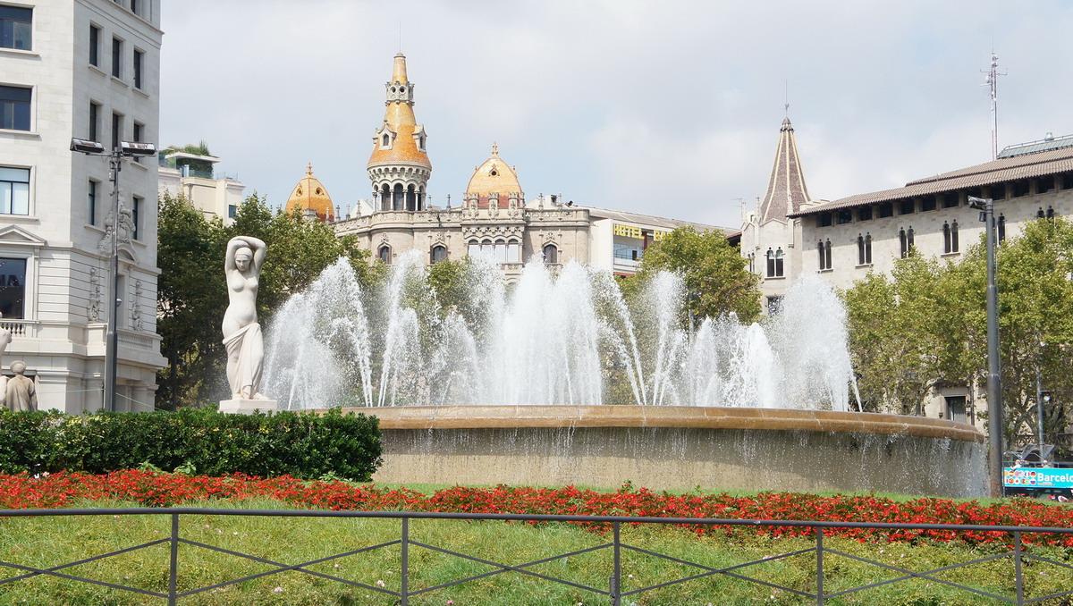 025_Plaza_Catalunya