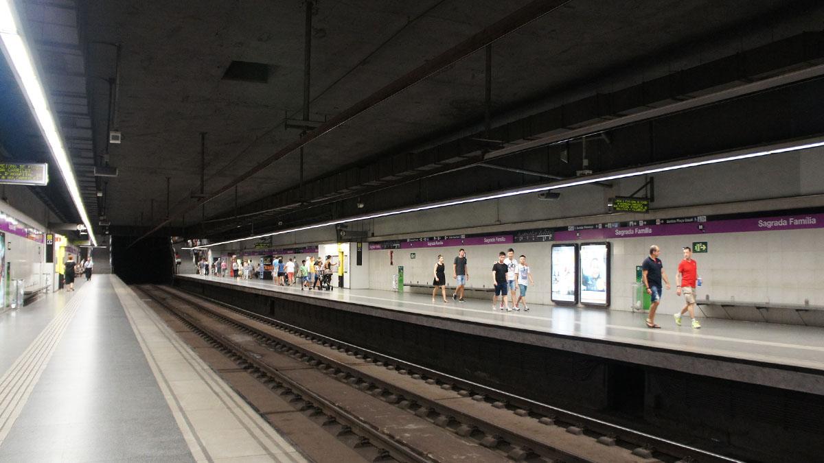 072_Barcelona_metro