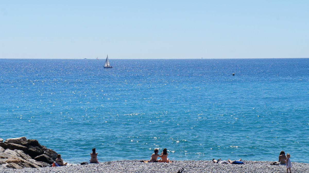 275_Nice_beach