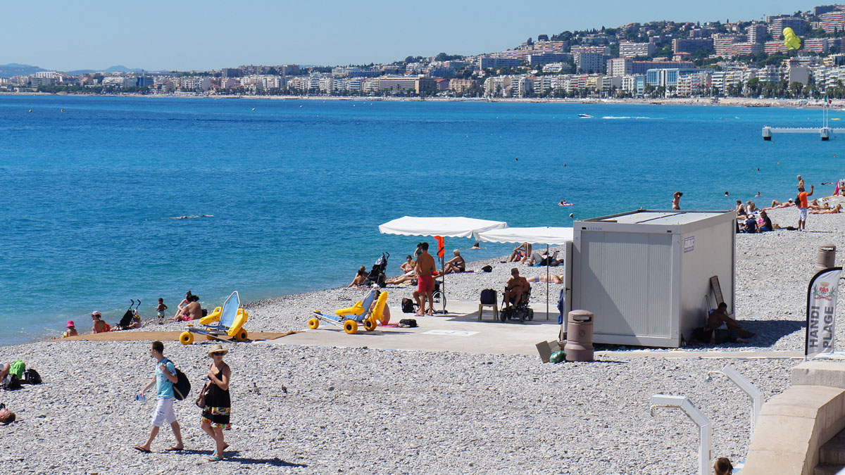279_Nice_beach