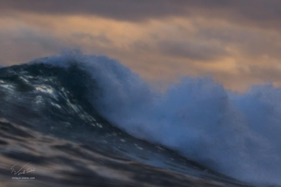 Тест объектива 70-200, фотография волны на Бали