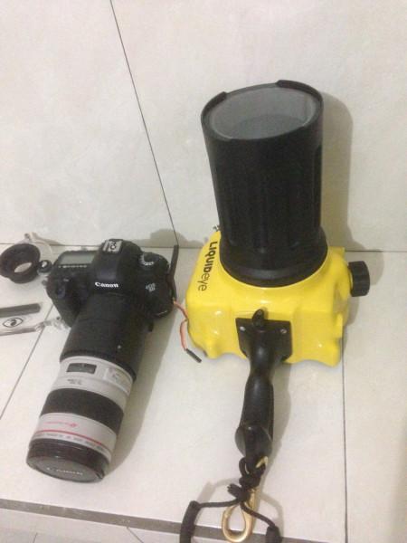 Canon 5D Mark3 in LiquidEye waterhousing with lens canon 70-200