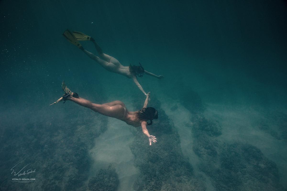 Underwater Nude. Naked models underwater