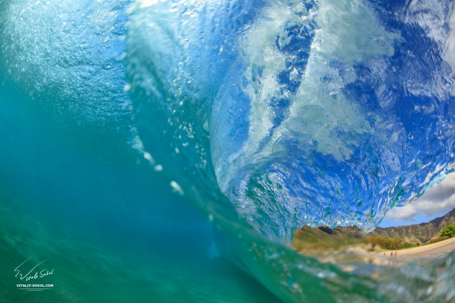 Ocean wave barrel