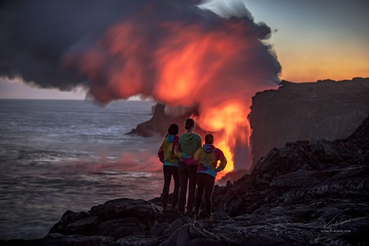 Наблюдение за извержением лавы