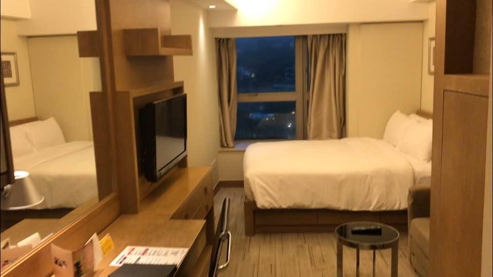 Весьма неплохой номер в отеле Royal View Hong Kong