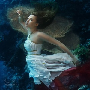 underwater fashion by Vitaliy Sokol