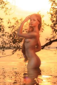 Арт ню в воде от Виталия Сокола