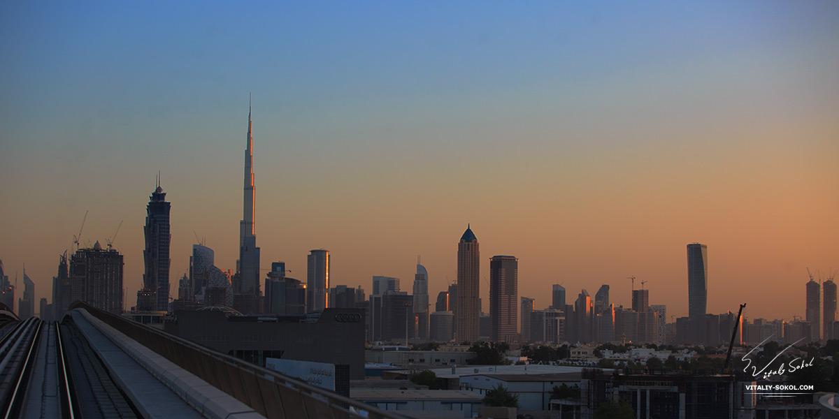 Dubai photos. Sunrise skyscrapers