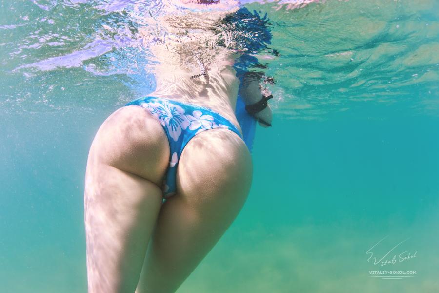 Nice ass underwater