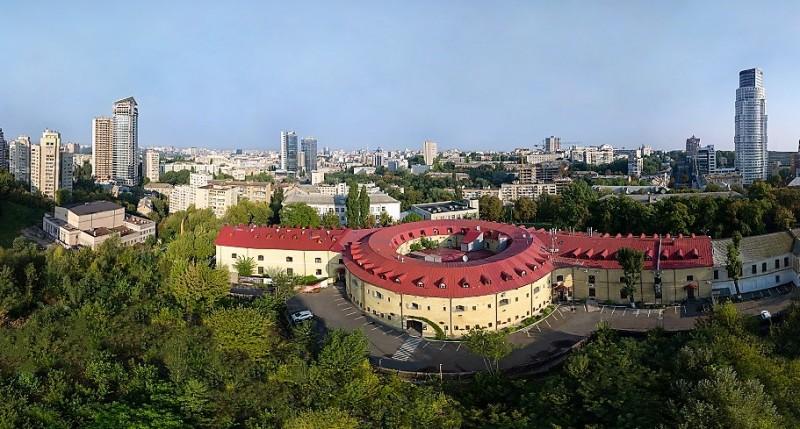 «Башня № 5», часть комплекса оборонительных сооружений «Киевская крепость». Фото из Википедии.
