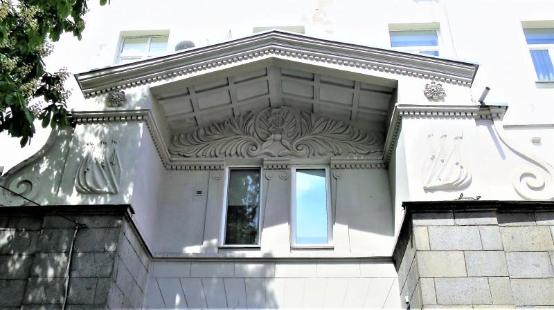 Киевские балконы. Георгиевский переулок 2
